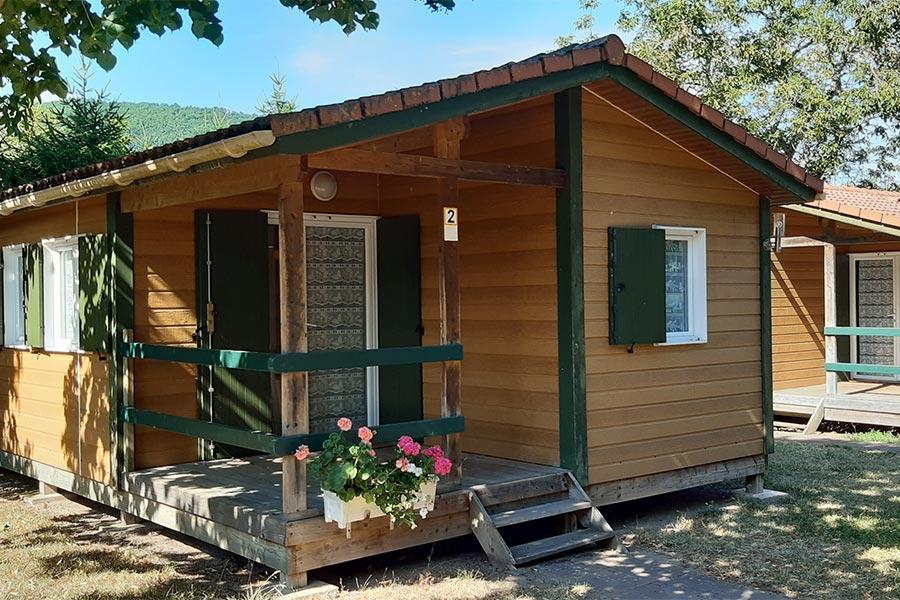 Camping-Beau-Rivage-Hébergements-Location-de-chalets-et-de-mobil-homes-00
